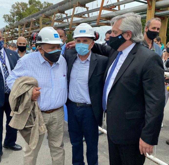 Jorge Ávila junto a Llugdar y el presidente Alberto Fernández.