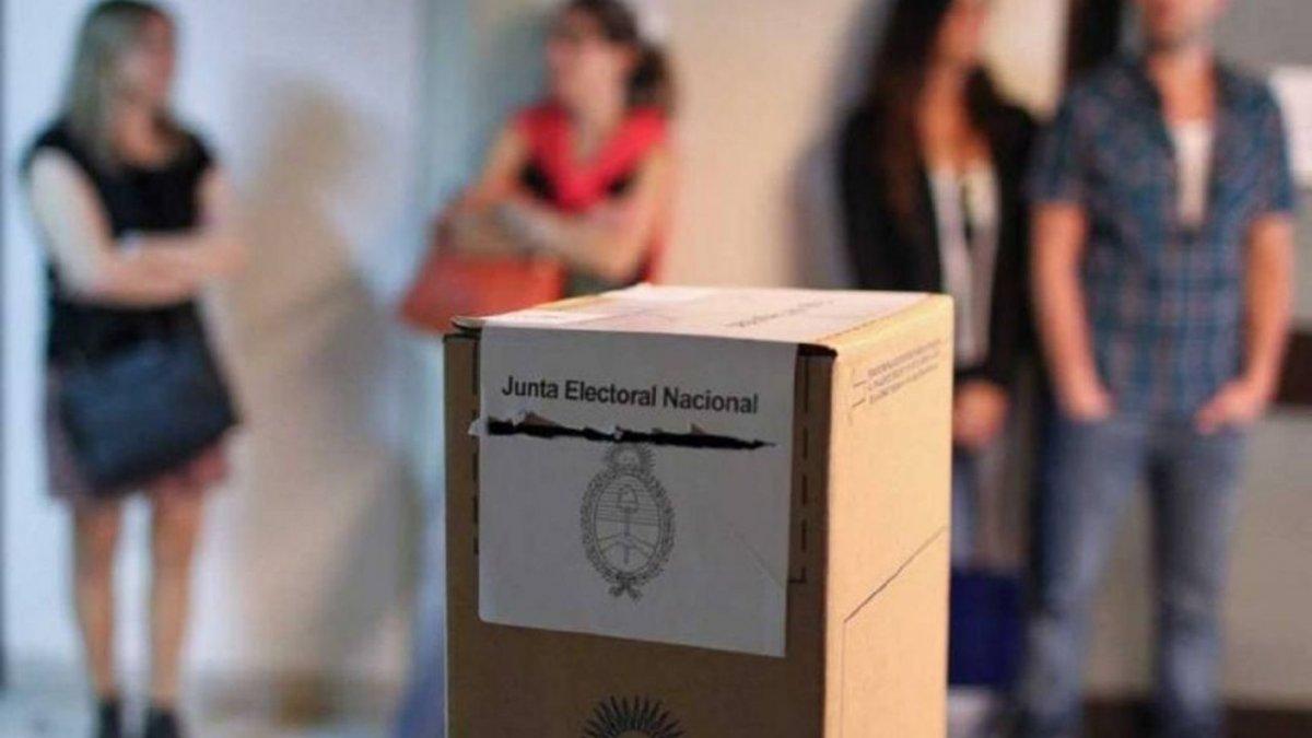 Abrirán más escuelas para las elecciones legislativas 2021.