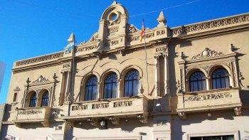 Cine y Teatro Español de Comodoro Rivadavia.
