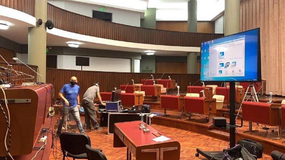 Fabián Puratich recomienda que las sesiones en la Legislatura Provincial continúen de manera virtual.