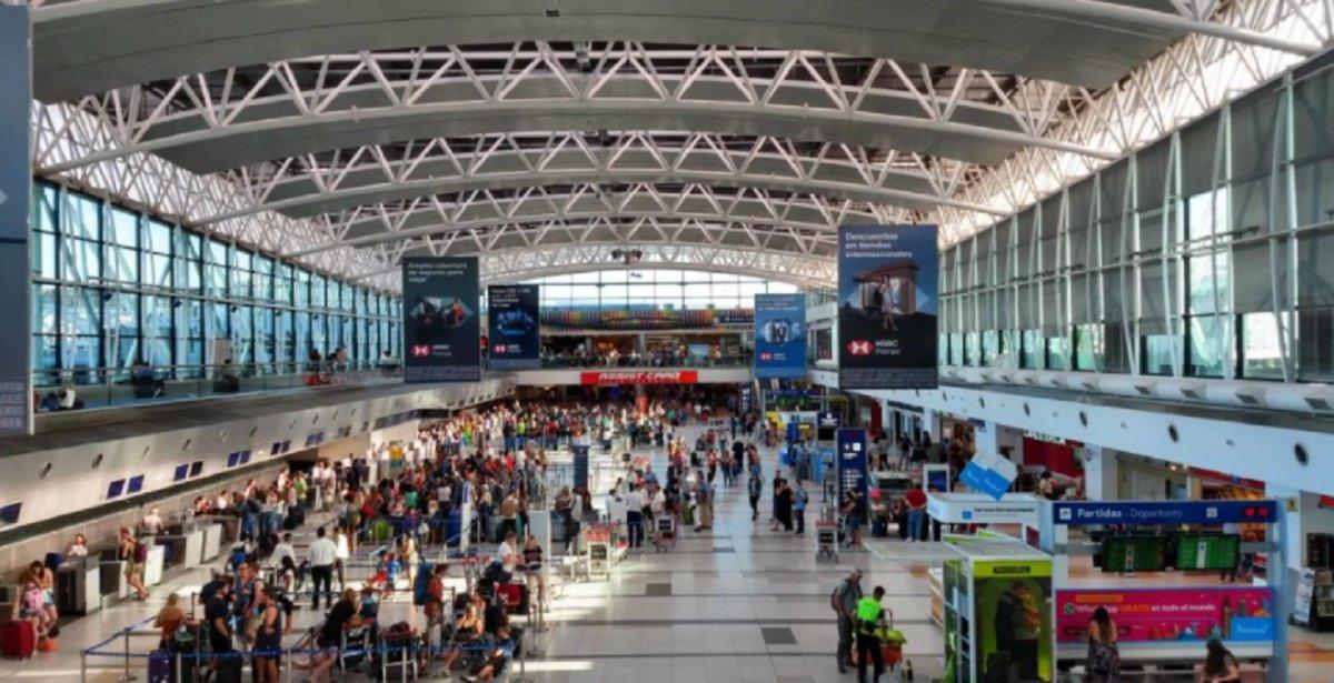 Actualmente están cancelados los vuelosprovenientes de Italia