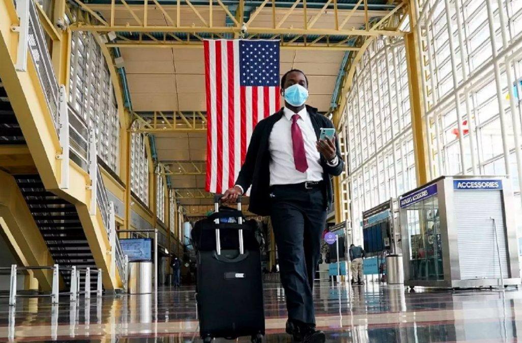 Estados Unidos comenzará a pedir test de coronavirus negativos a quienes lleguen al país en avión.