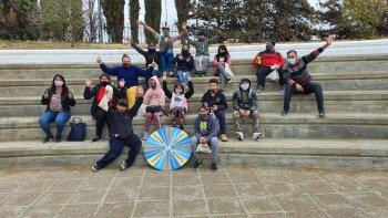 Fomentan el turismo social para chicos de diversos barrios