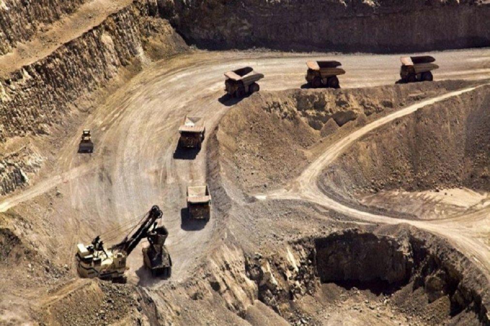 El gobierno inicia las reuniones con la intención de instalar la minería a cielo abierto