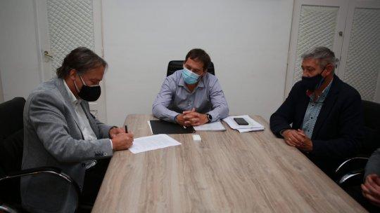 Se firmó el convenio para que Comodoro tenga una sede de la Superintendencia de Salud.