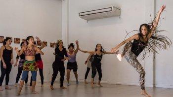 Se dictará un taller de percusión y danza africana