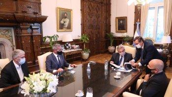 El presidente de la Nación, Alberto Fernández, recibió al gobernaor Mariano Arcioni, quien le presentó el proyecto de zonificación minera.
