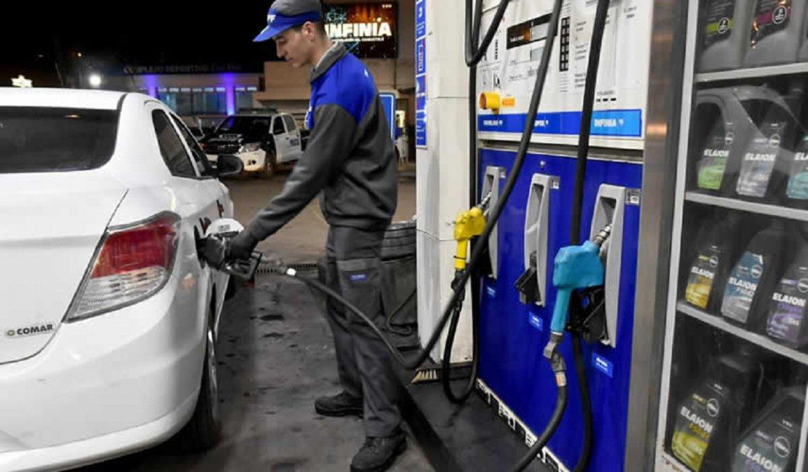 El gobierno postergó el aumento de los combustibles previsto para el primer día de marzo