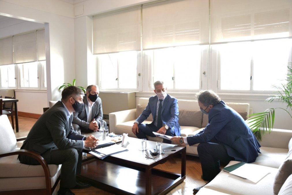 El encuentro se celebró en la sede central del Ministerio de Obras Públicas de la Nación
