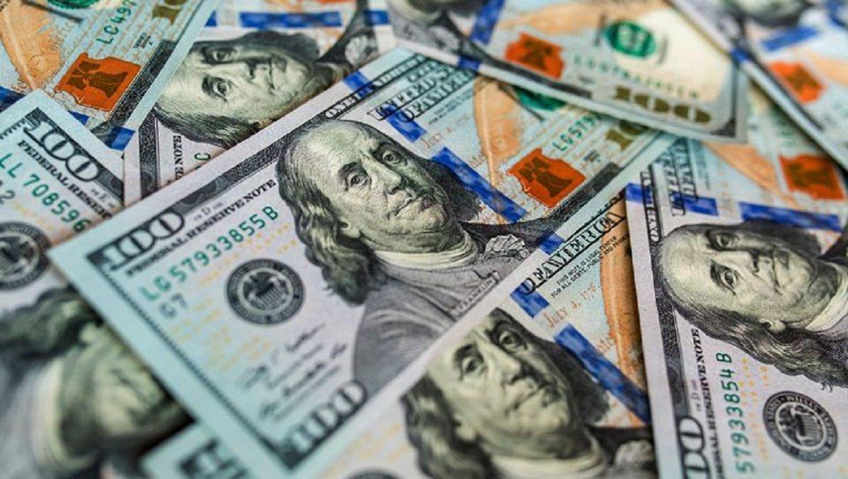 Por las mayores restricciones para comprar dólares