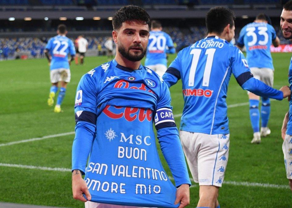 Insigne le dedica el gol a su novia por San Valentín.