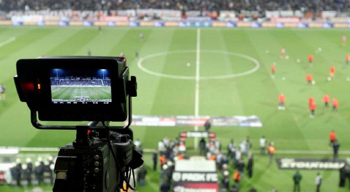 El gobierno nacional negocia con las empresas dueñas de los derechos del fútbol para que cedan 4 partidos a la TV Pública.