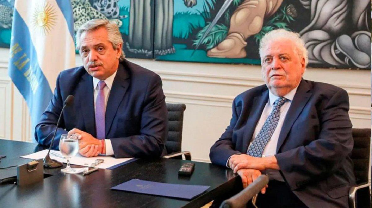 El Presidente pidió la renuncia de Ginés González García.