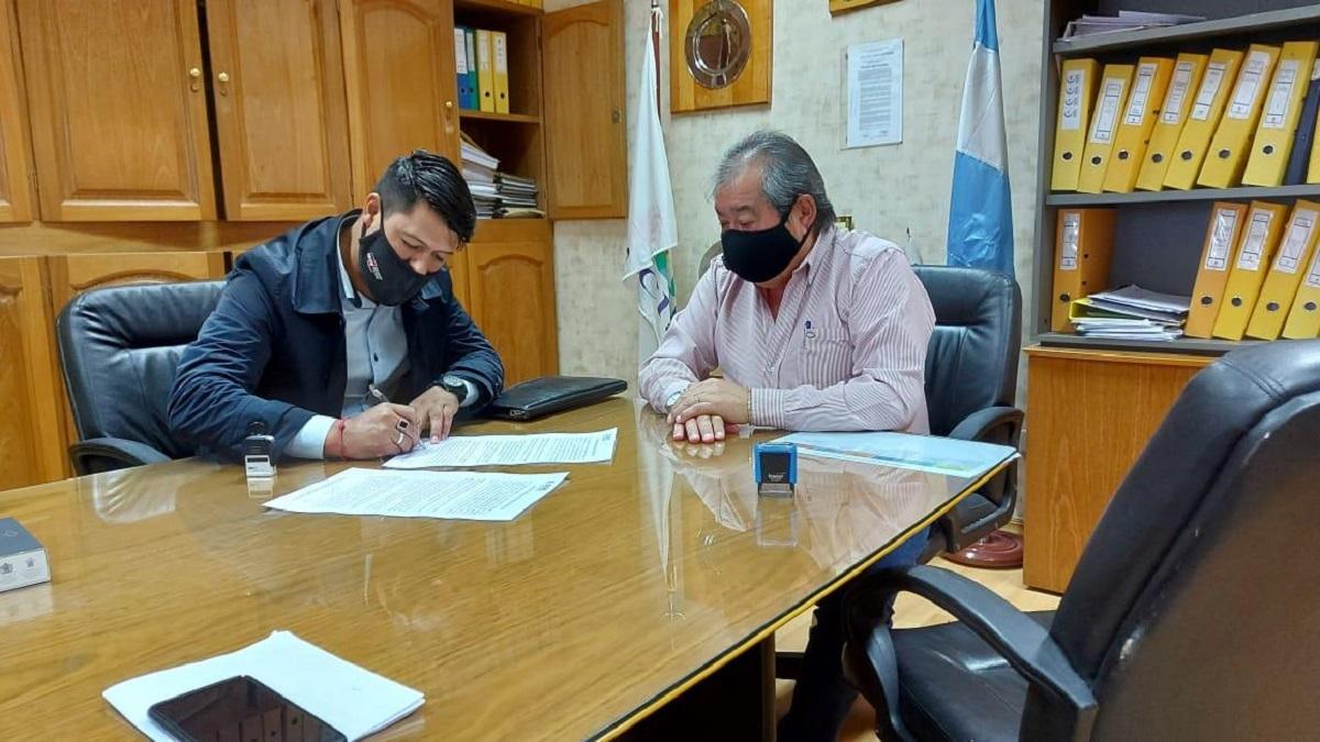 El acuerdo fue firmado por el tesorero de la mutual