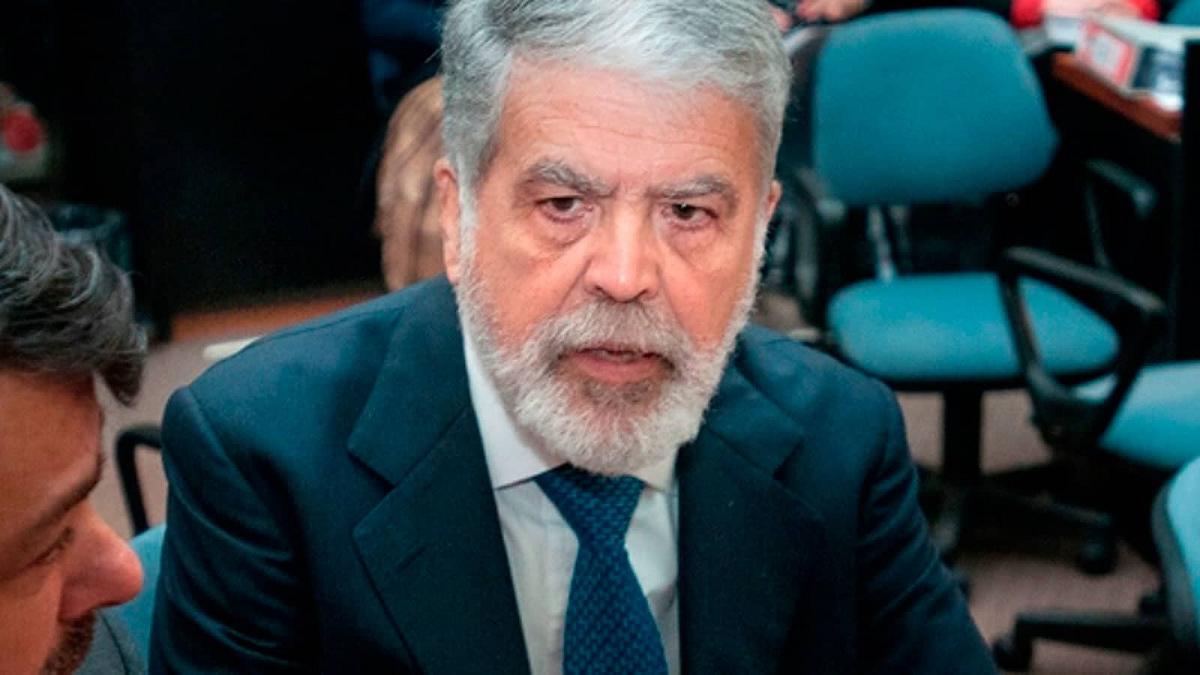 Julio De Vido pidió al gobierno que difunda el listado de lo vacunados VIP.