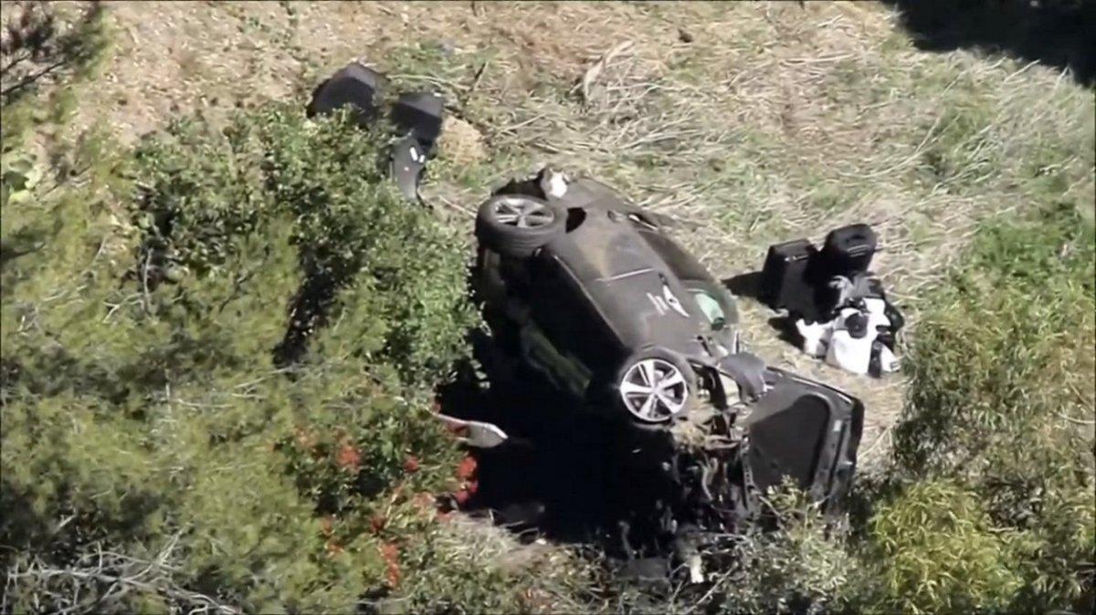 Así quedó el auto del golfista tras el accidente en Los Ángeles.