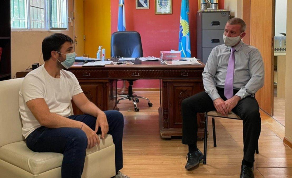 Ignacio Torres junto a Darío James.