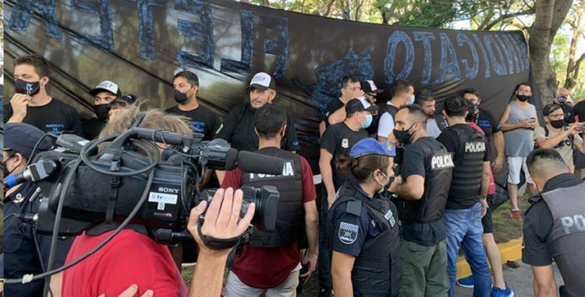 Durante la tarde del sábado se registraron incidentes frente a la quinta presidencial de Olivos.