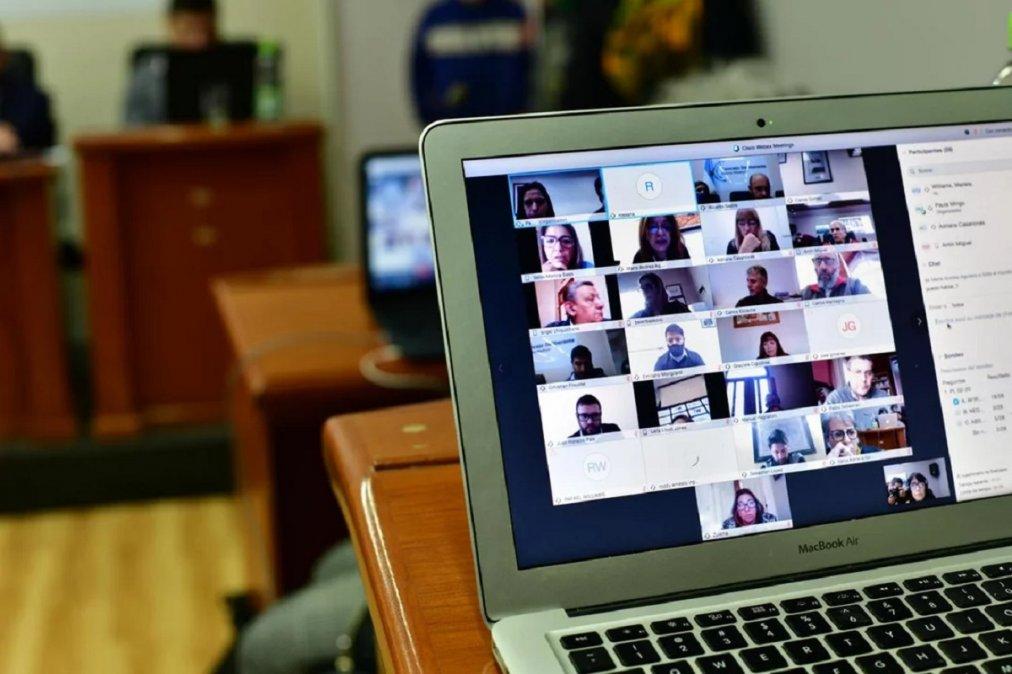 La Legislatura inicia la semana con una nueva sesión virtual