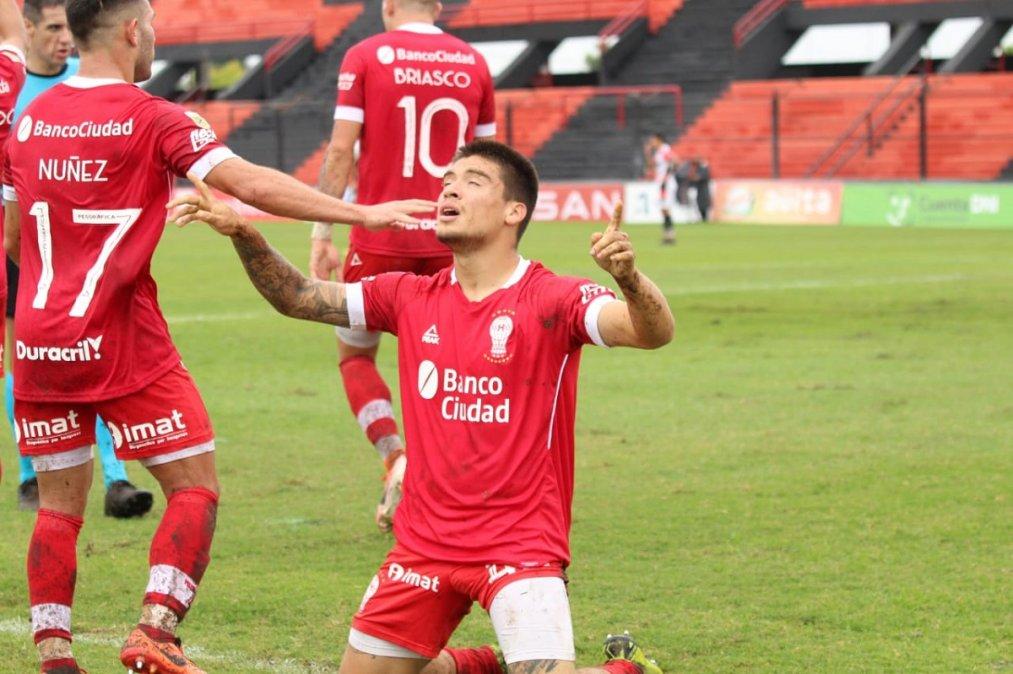 Pablo Oro marcó su primer gol en Primera División.