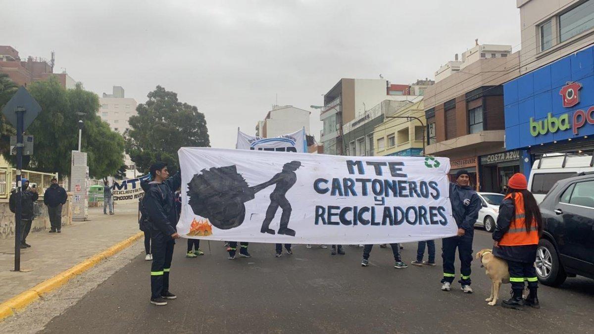 Cartoneros y Recicladores se manifestaron por el centro de la ciudad.