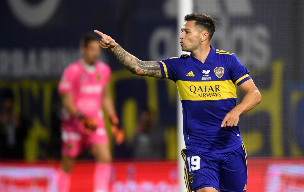 Zárate entró y le dio la victoria a Boca.