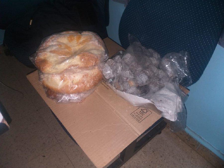 Entraron a robar a una panadería de Km 8 y se llevaron hasta la rosca de pascuas.