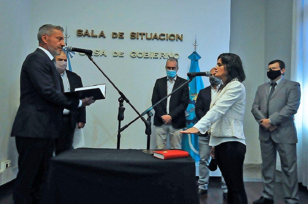 Arcioni le tomó juramento a Carla Olivet como nueva Subsecretaria de Cultura