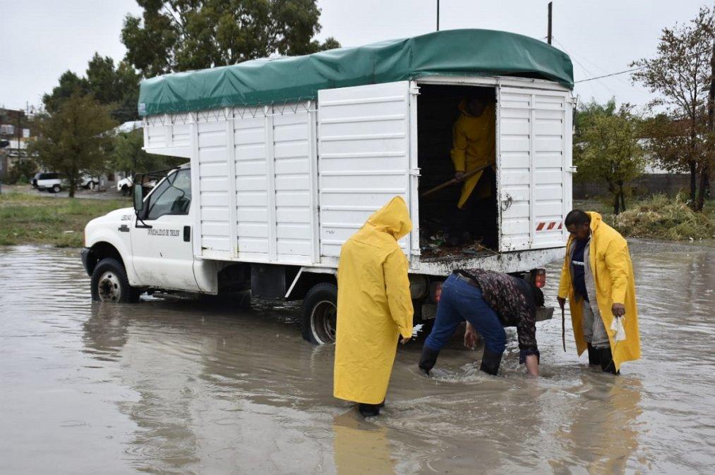Trelew: Evacuaron a ocho familias tras las fuertes lluvias