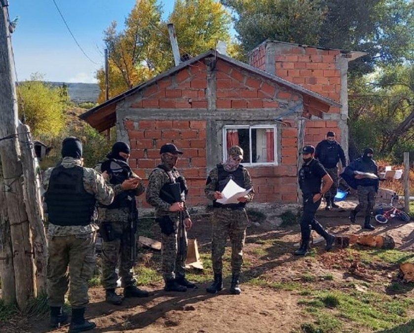 La Policía efectuó tres allanamientos en Trevelin por una causa de robo y venta de carne. Foto: Diario Jornada.