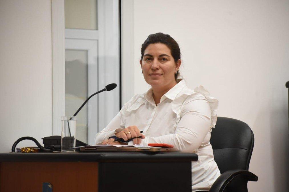 La concejal de Juntos por el Cambio denunció en connivencia entre funcionarios del Municipio con integrantes de la SCPL y le pidió al presidente del Concejo efectúe la presentación judicial.