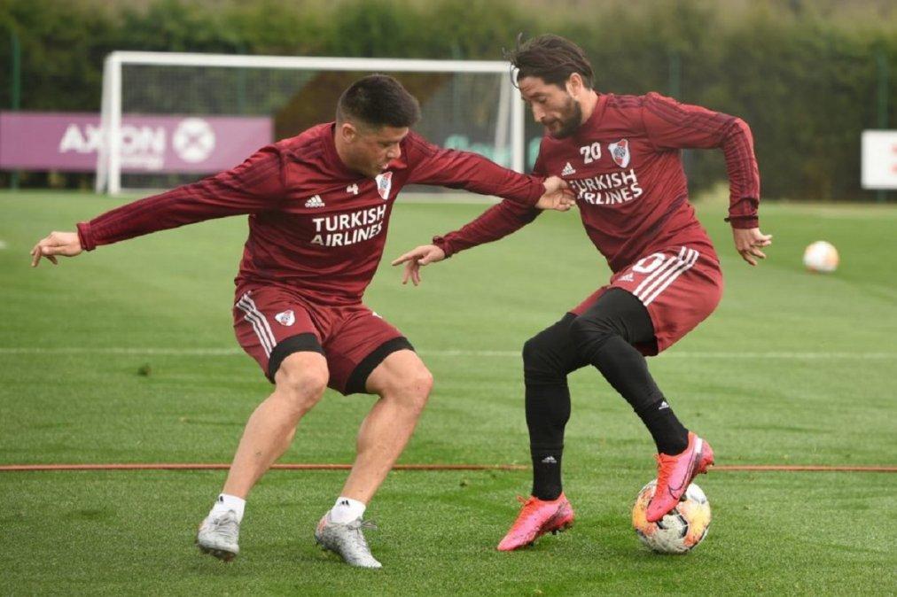 Moreira junto a Casco durante el entrenamiento de River.