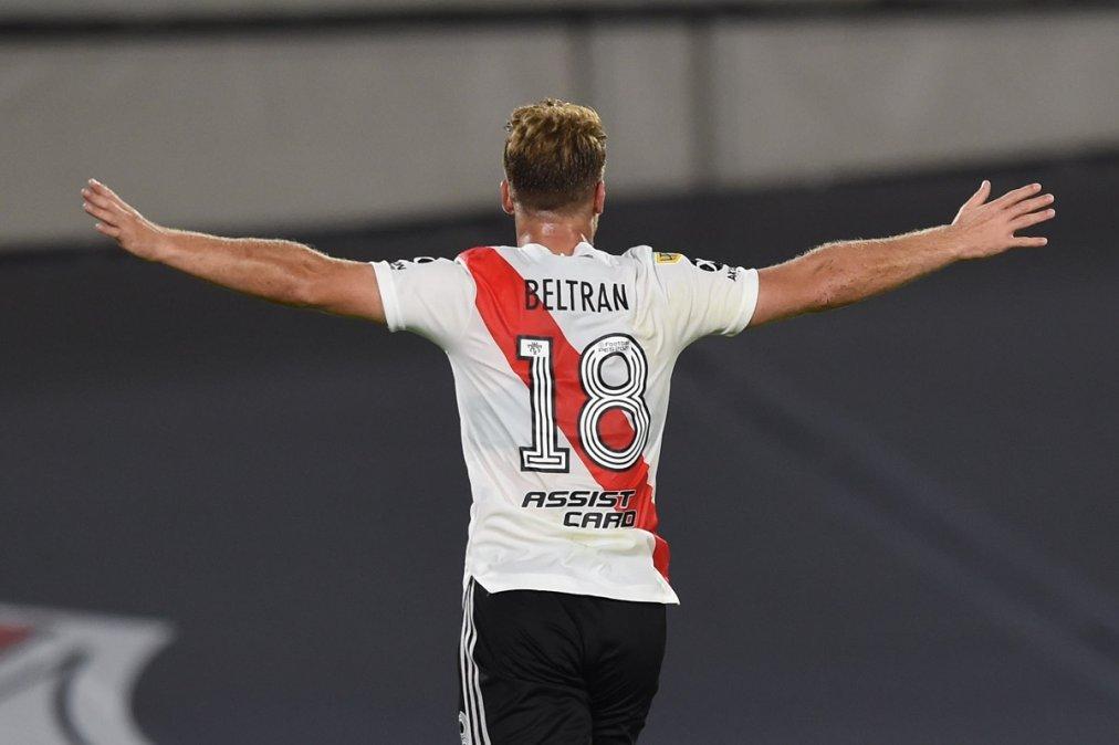 Beltrán convirtió su primer gol en Primera División en la victoria de River ante Colón.