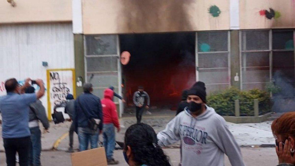 Repudiaron el ataque a una sede de una empresa minera