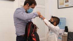 Luque recibió a Thiago, el nene que defendió que las Malvinas son Argentinas.