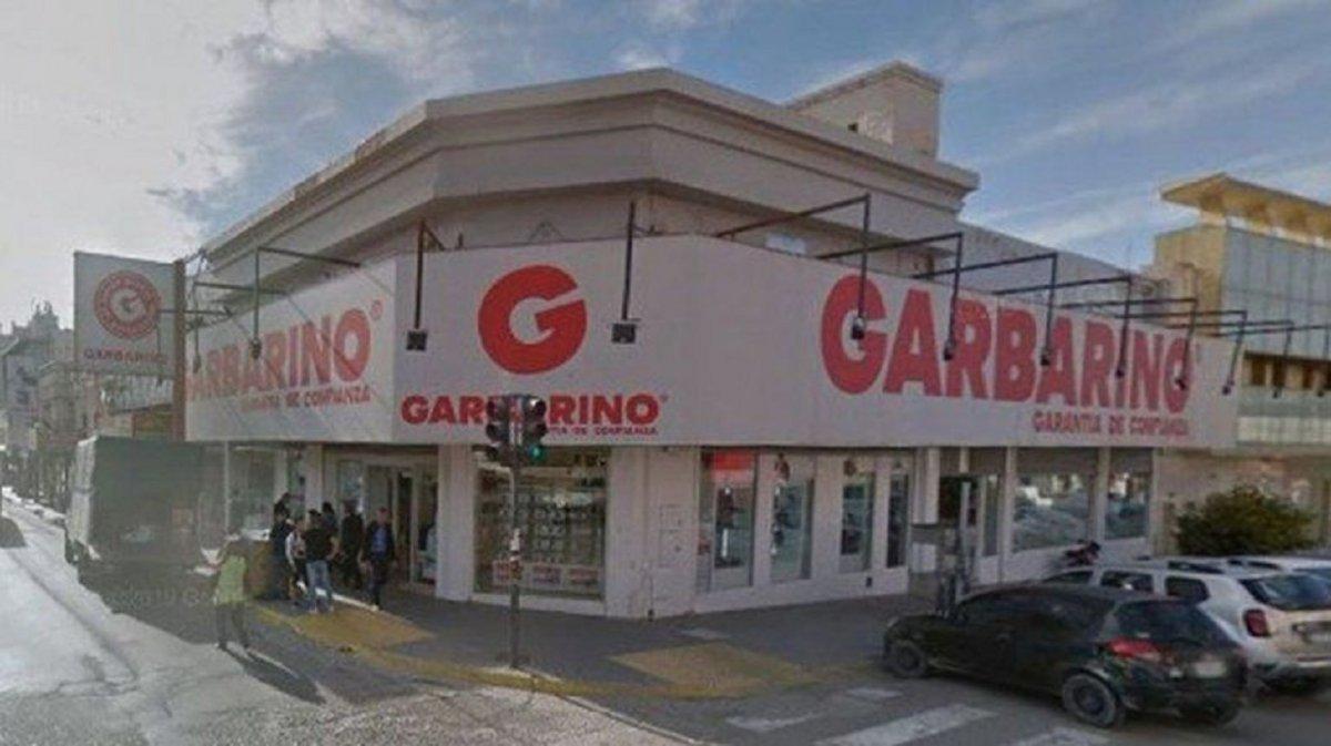 Por el momento la sucursal de Garbarino de Comodoro Rivadavia no cerraría.