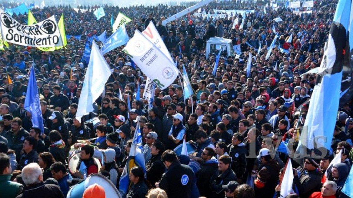 El Ministerio de Trabajo estableció la conciliación obligatoria y los gremios aceptaron