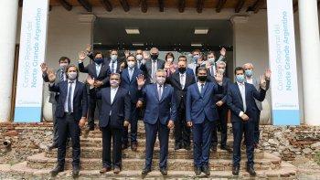 Gobernadores del oficialismo apoyan las nuevas restricciones