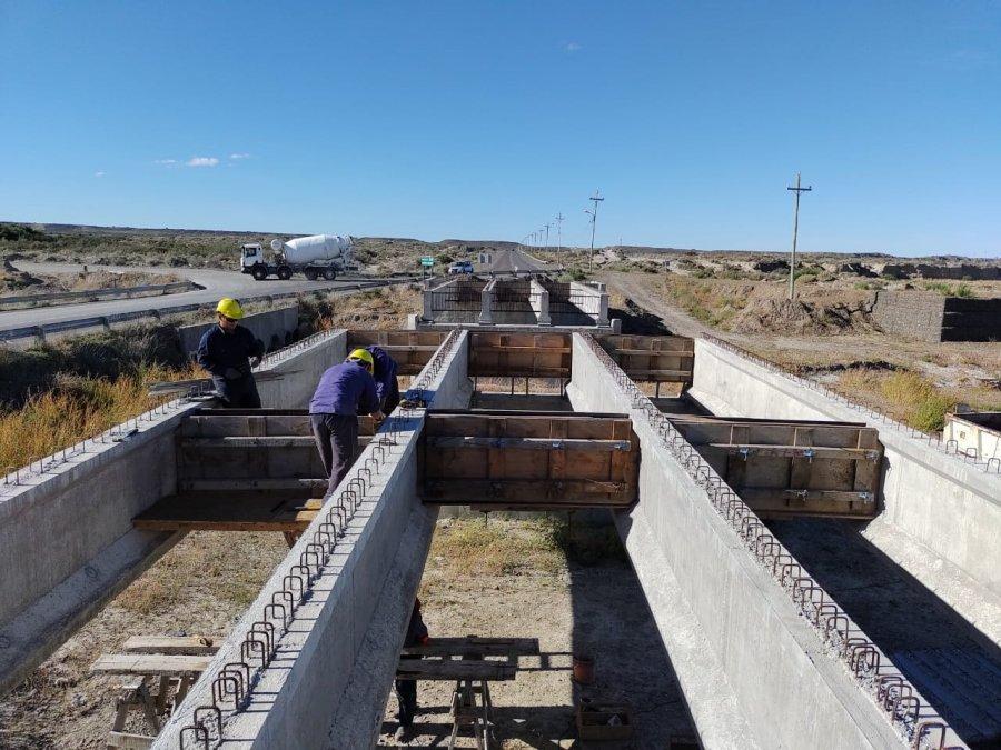 Vialidad Provincial retomó los trabajos en el puente de Caleta Córdova