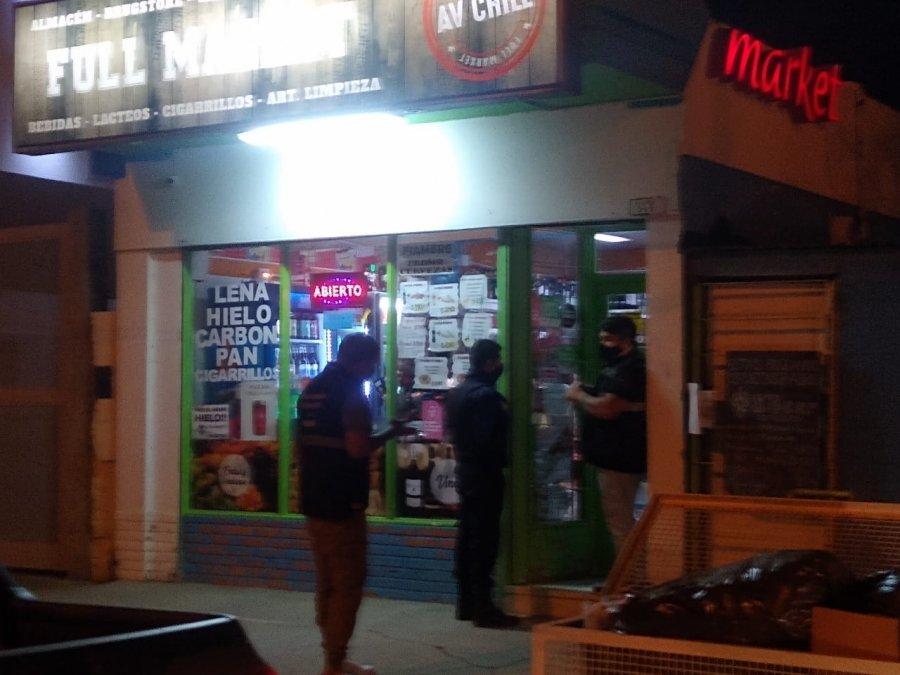 Clausuraron almacén por vender alcohol fuera de horario