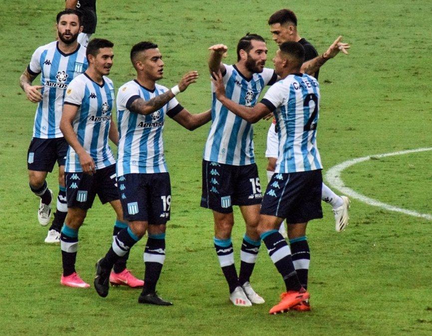 Copa Liga Profesional: Agónica victoria de Racing ante Colón
