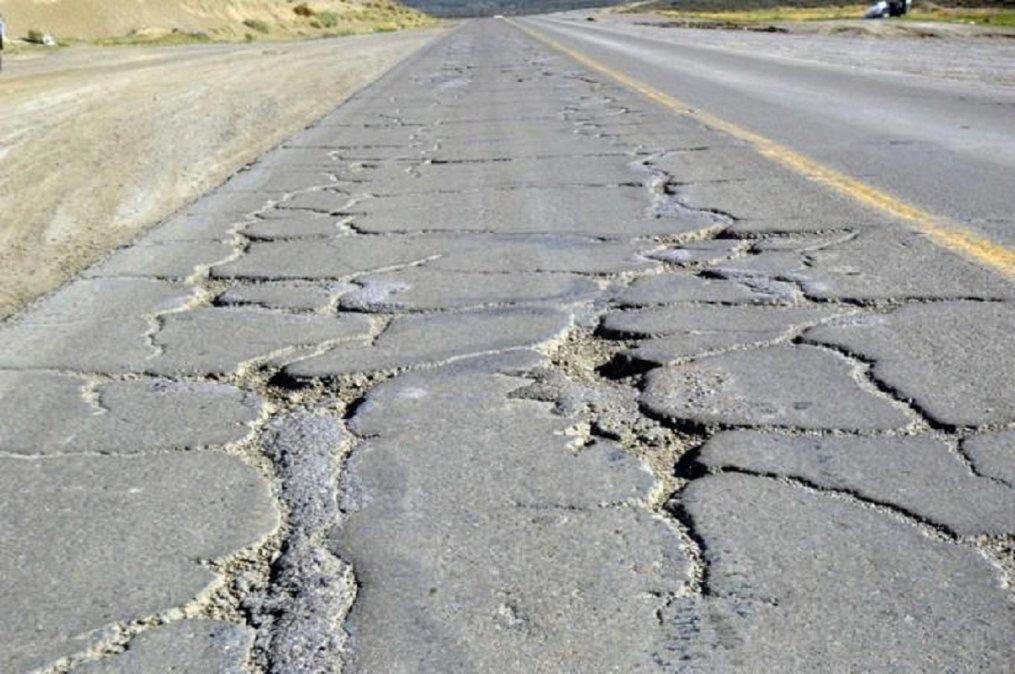 Vialidad Nacional licitó el bacheo de Ruta 3 entre Comodoro y Caleta.