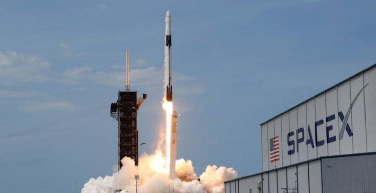 Aparentemente el OVNI pasó a 45 kilómetros del cohete de SpaceX