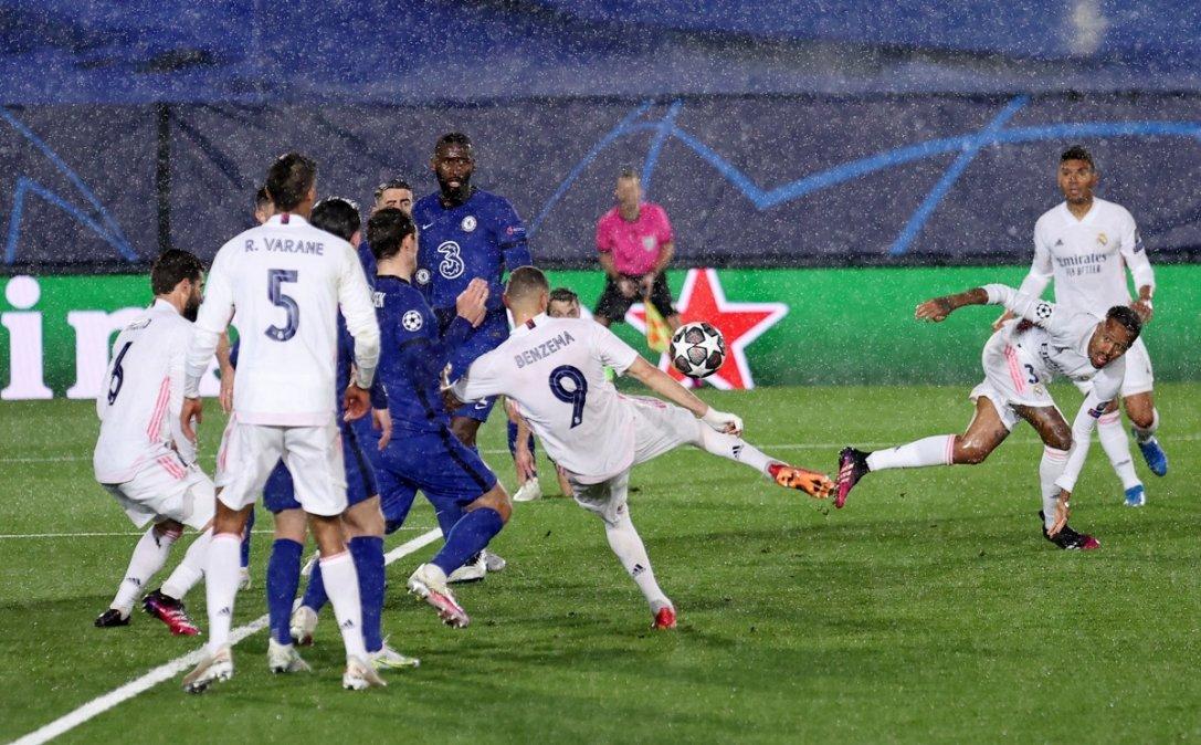 Bajo la lluvia en Madrid