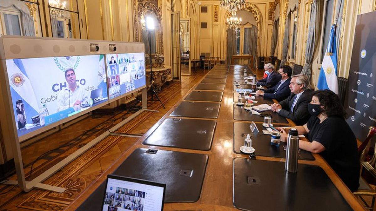 El presidente se reunió con 12 gobernadores del norte del país para analizar la situación epidemiológica y anticipó que el viernes se conoce el nuevo DNU.