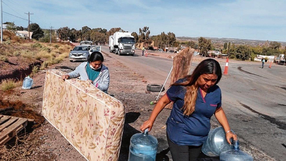 Neuquén: Solo se levantaron los cortes en la zona de Vaca Muerta