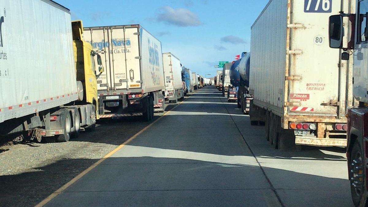 El corte mantenía varados a 600 camioneros.