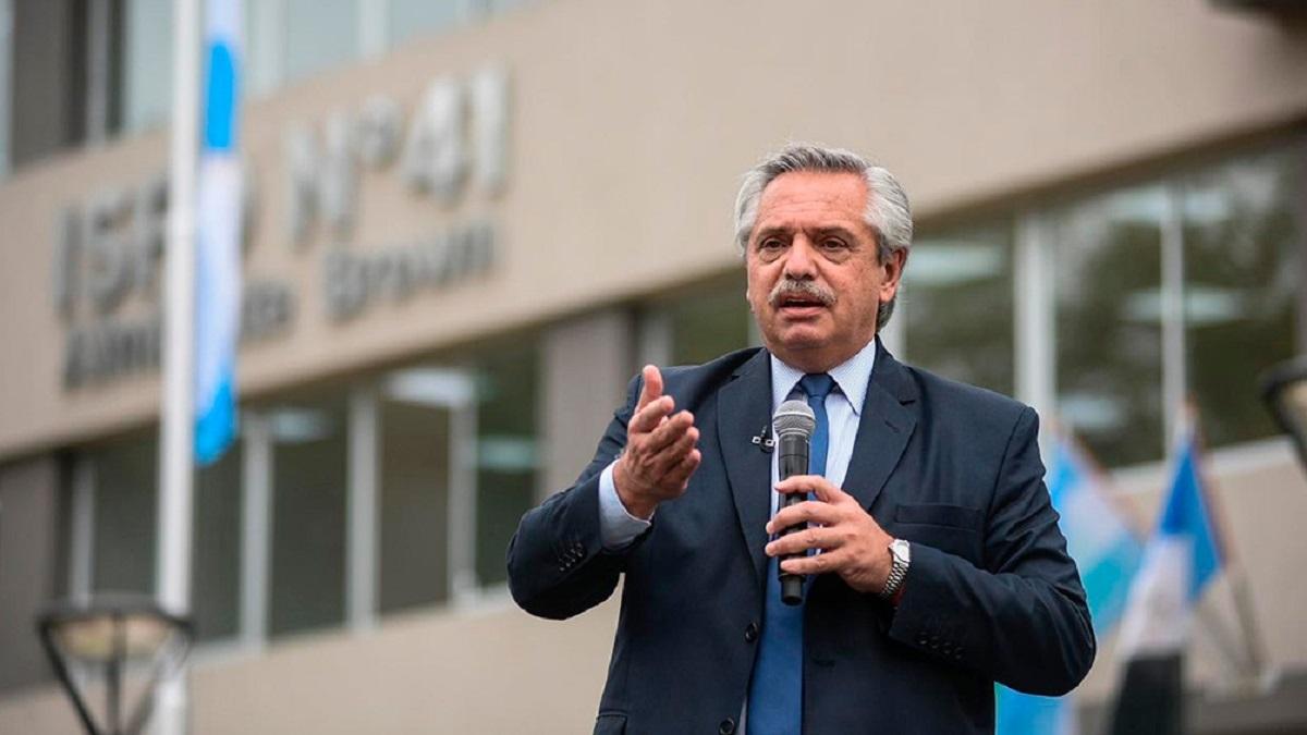 Fernández aseguró que va agarantizar la educación de los argentinos y argentinas por más que escriban muchas hojas en sentencias.