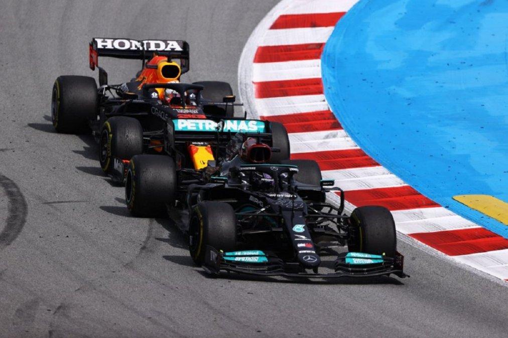 Hamilton se quedó con el Gran Premio de España y amplió la ventaja