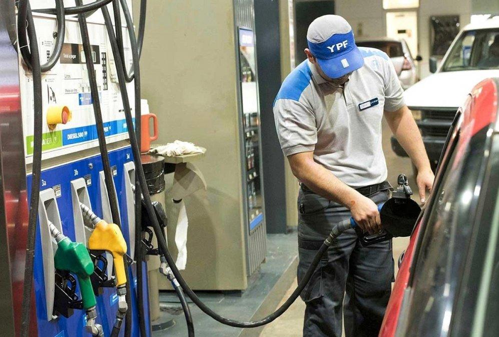 La nafta aumentará un 6% el sábado.